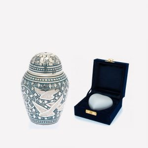 Butterworth Urn Co  – Wholesale distributor of cremation