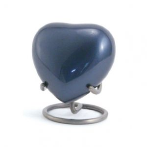 Classic Pewter Heart Stand
